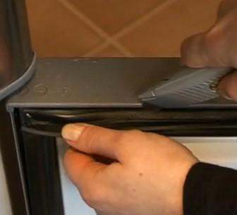 Deurrubber koelkast repareren